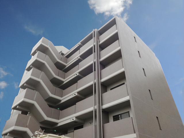 288037/6階建てのエレガントな外観です
