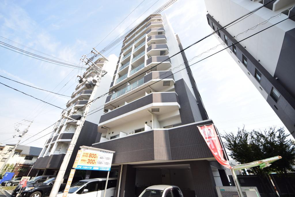 047782/強そうな鉄筋コンクリート造マンションです。