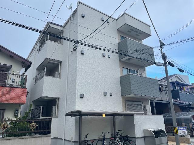 599534/2018年築の3階建てハイツです♪
