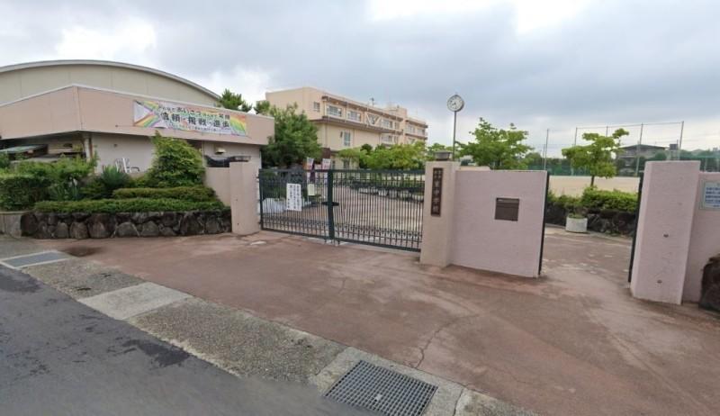 茨木市立東中学校